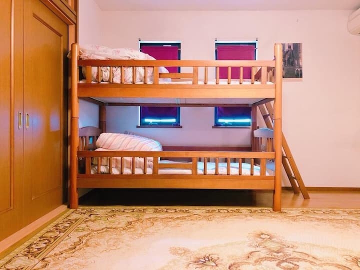Eins Iga Standard Family Room