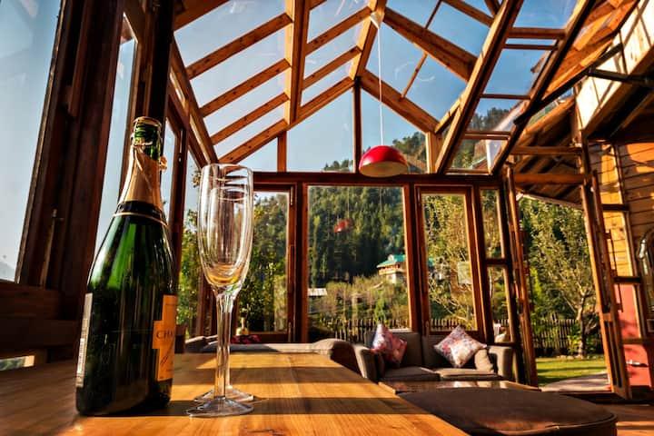 Taara House Luxury Cottage