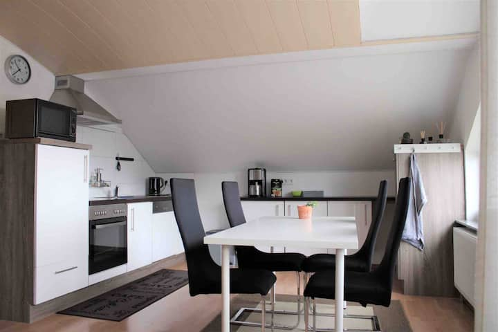 Gemütliche Dachgeschosswohnung nah an der Schweiz