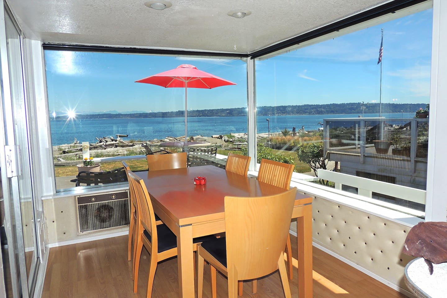 Columbia Beach House Whidbey Island - Cottages for Rent in Clinton ...