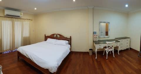 Townhome@lopburi 1  นอน 2 น้ำ 1 เธียเตอร์ 1 ครัว