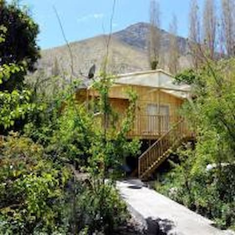 Cabaña Rosswell Paihuano en pleno Valle de Elqui