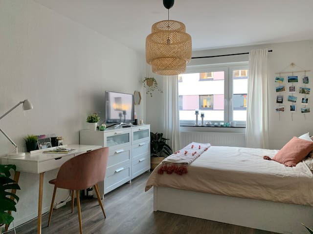 Bedroom in shared Flat in the heart of Cologne