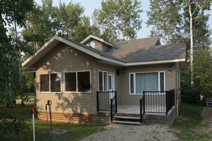 Spacious 3- Bedroom House, Tobin Lake.Sk