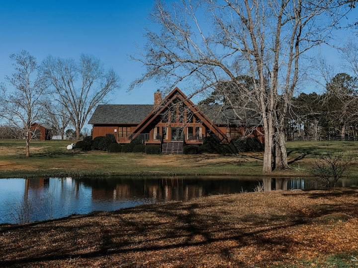 Nubbintown Lodge Great for Large Family or Retreat