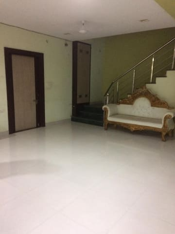 Bungalow / private room near Sarnath
