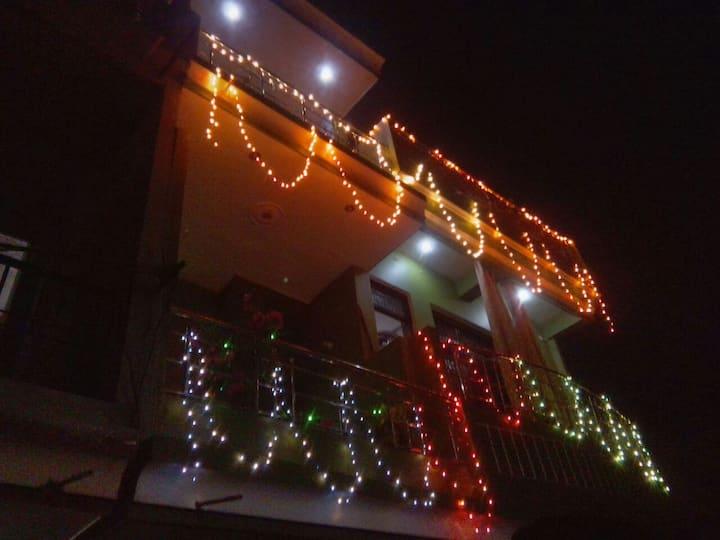 Prayagraj Apts; 500m KumbhMela; 2.1 Km from Sangam