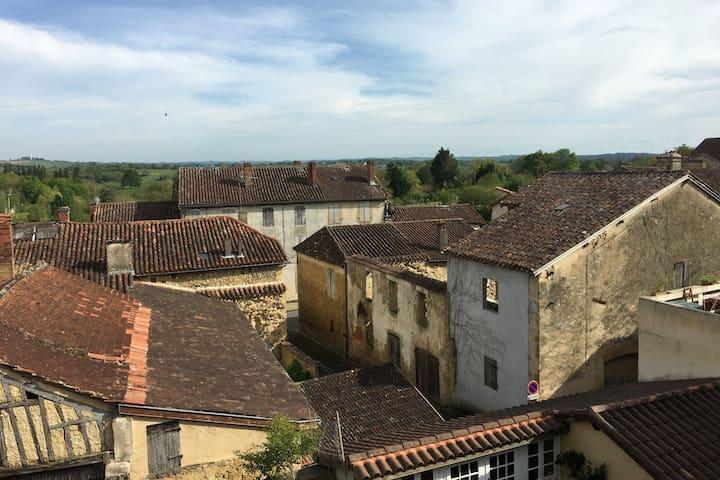 2-bedroom apartment in Aignan