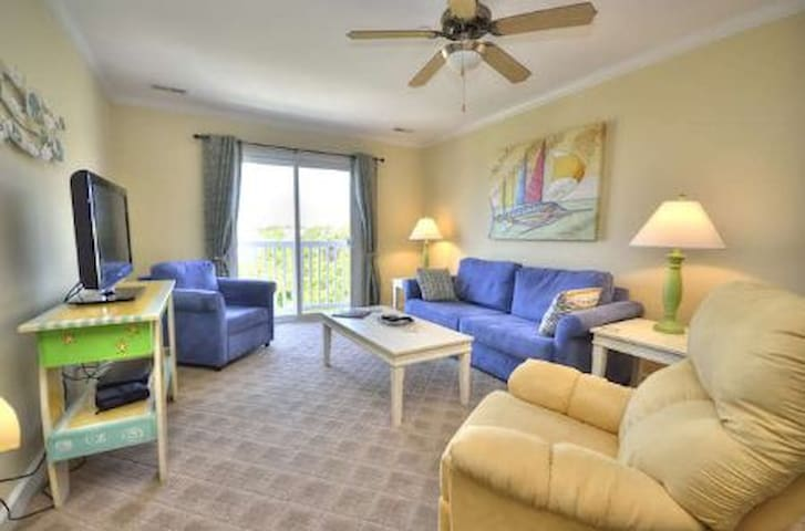 Ocean Walk 2303-POOL, Elevator, & Close to Beach!!!