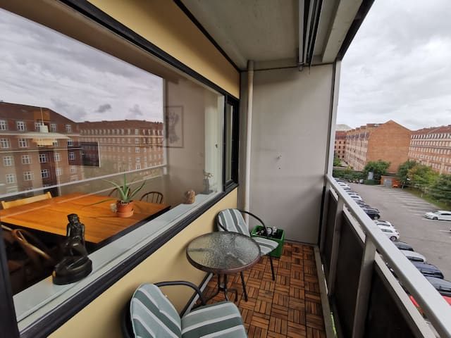 Nice flat with free parking. 5km from city center