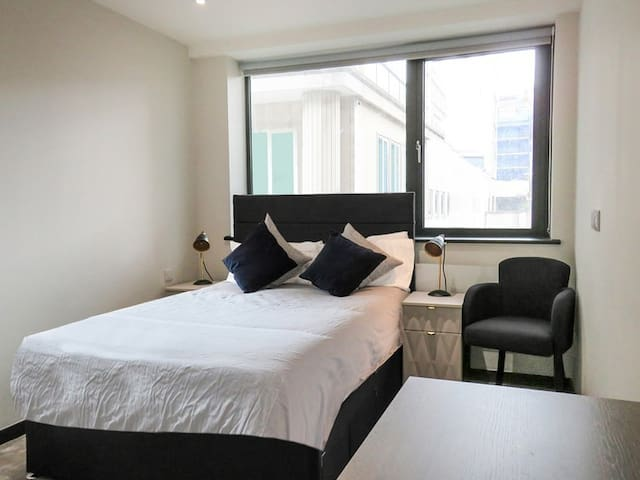 1 bedroom Apartment Liverpool City Centre