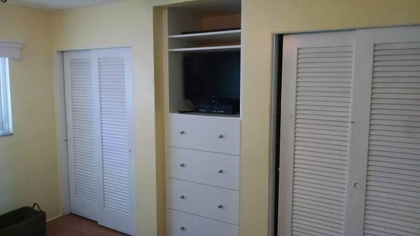 Bed Room Closets