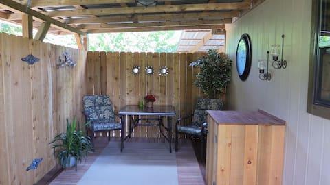 Gratitude & Grace Guest Cottage