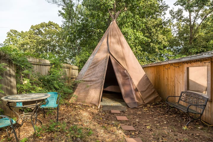 Cozy and Magical Teepee in the City, with Heat!