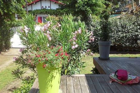 Havre de paix à Capbreton, villa élégante - Capbreton - Haus