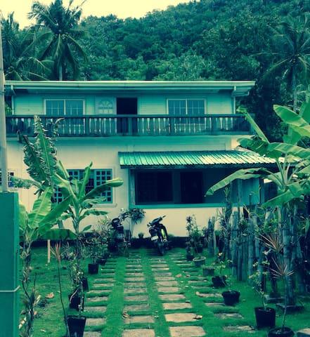 Waterfront House, Limasawa Island