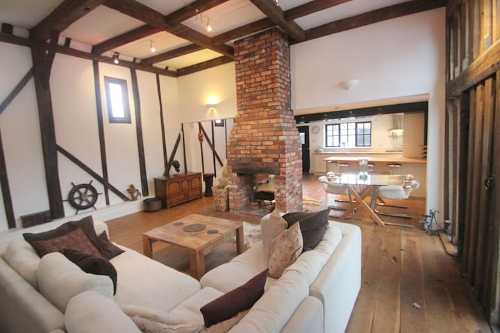 Barn conversion on the River Hamble - Swanwick - Rumah
