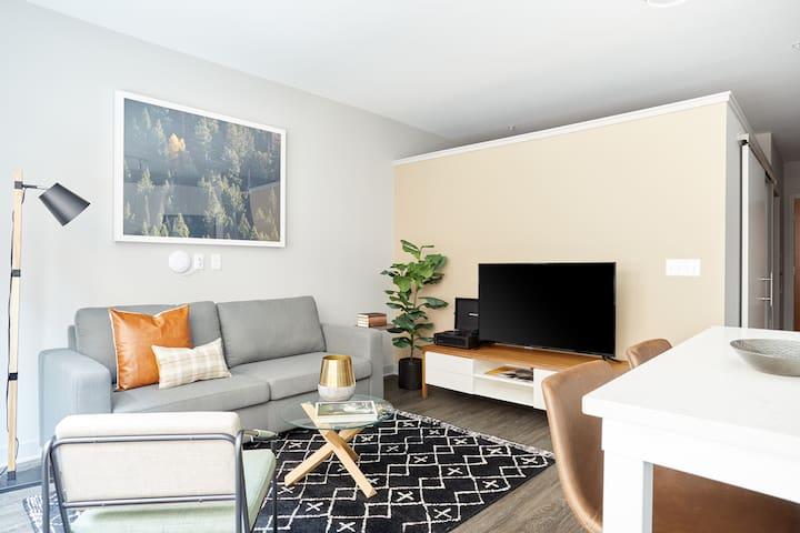 Sonder   Luna Apartments   Pleasant 1BR + Rooftop