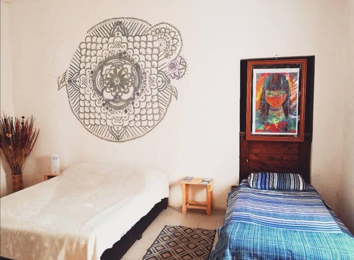 M habitación en centro histórico + Desayuno . 🍀