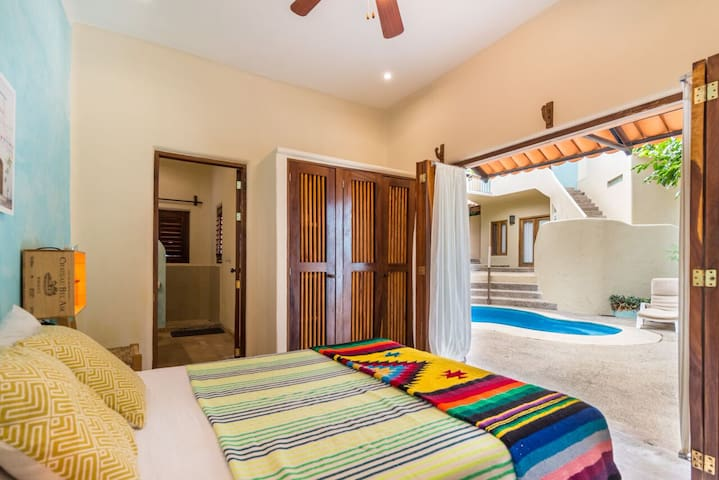 Double room, close to the beach.