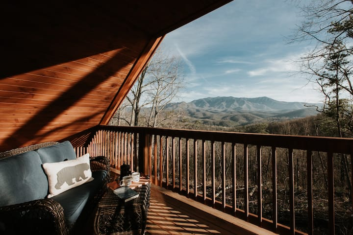 NEW! Modern, Mountain Views | 3 mi to Gatlinburg