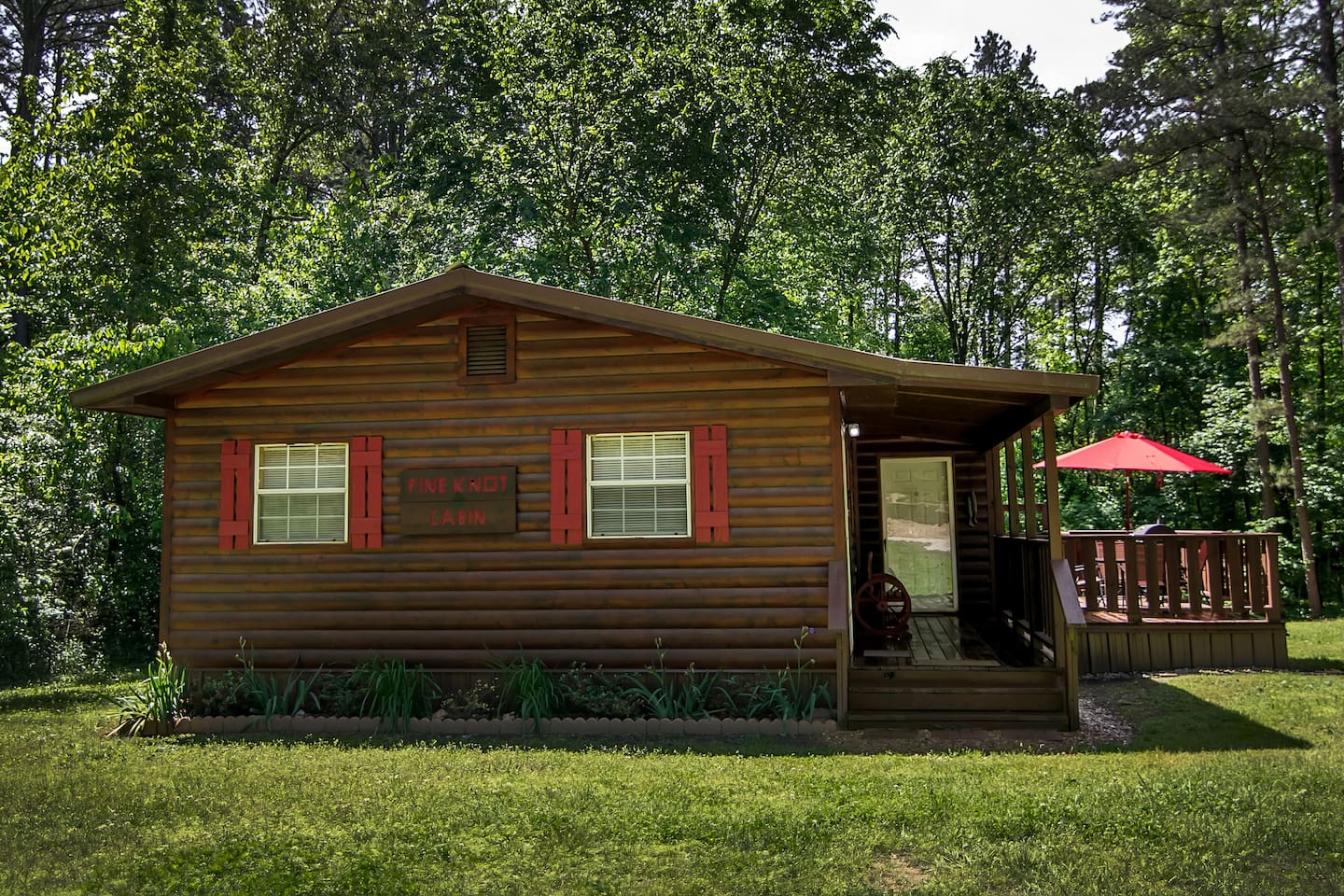 Pine Knot - Cabins for Rent in BROKEN BOW, Oklahoma, United States
