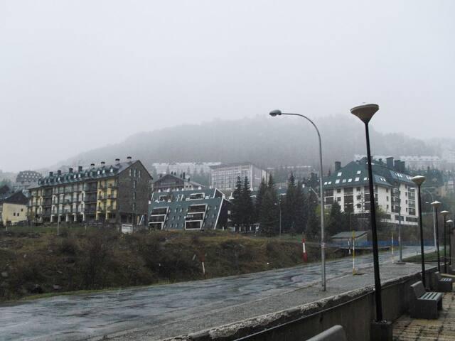 Apartamentos Candanchu (PHONE NUMBER HIDDEN) - Candanchú - Appartement