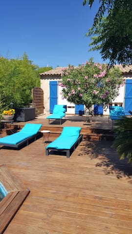 chambre dans villa avec piscine - La Garde - Vila