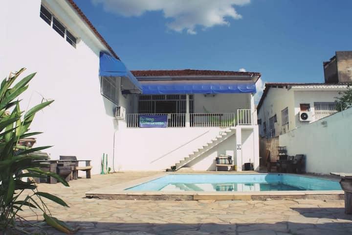 Casa Cuiabá 30 Pessoas, Piscina, Garagem 10 Carros