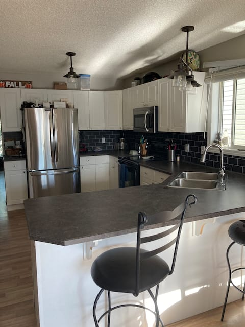 Entire House with 2Bed/2Bath + Office in Beaumont