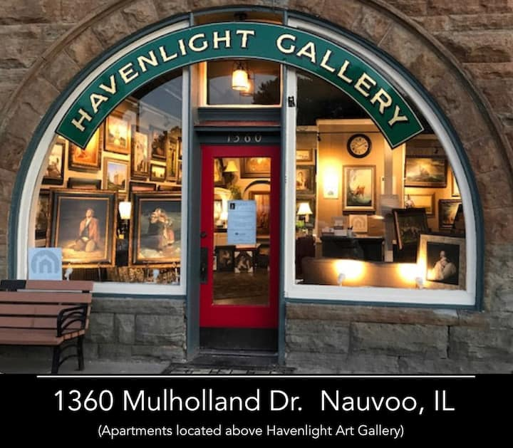 Downtown Nauvoo Handcrafted Elegance for 6