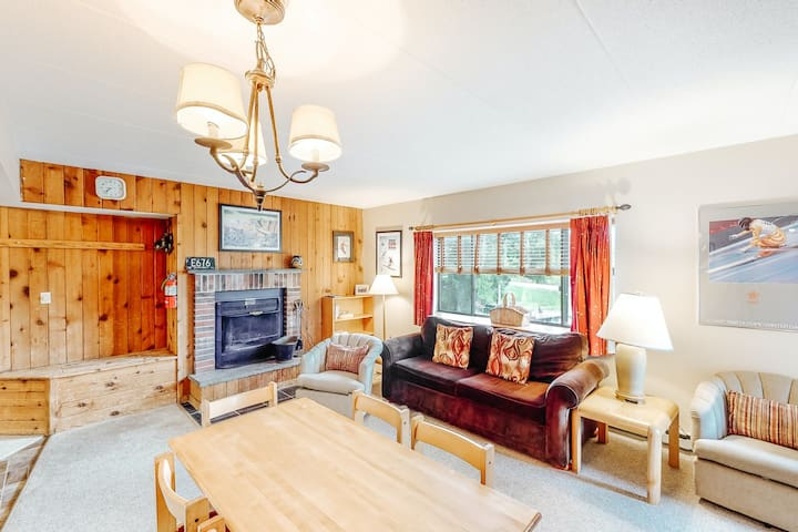 New listing! Family-friendly condo near the slopes w/ shared pool, hot tub, gym