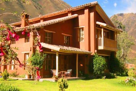 Tikaywasi. Hermosa Villa con encanto - Urubamba - Haus