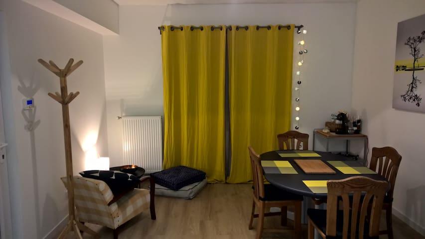 Appartement au centre du village de Manom