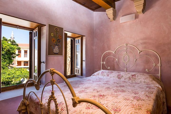 Private Room up to 2 adults in Rethymno town
