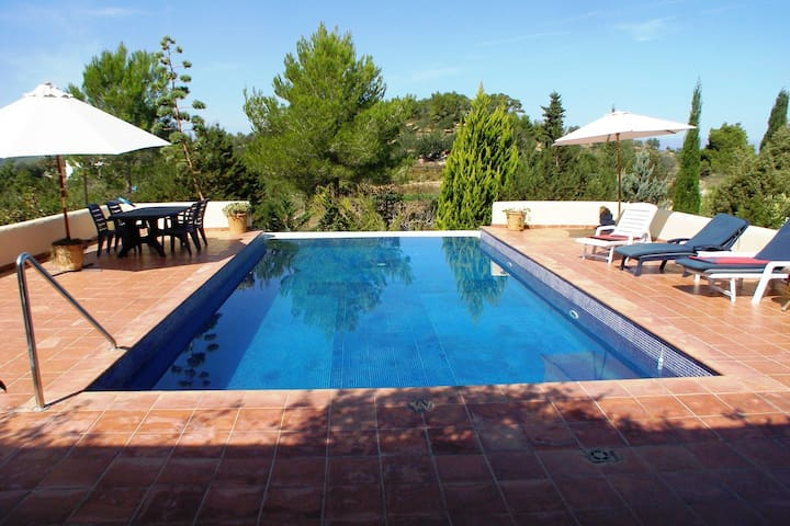 Sunlit American Style Villa in St Joan de Labritja with Pool