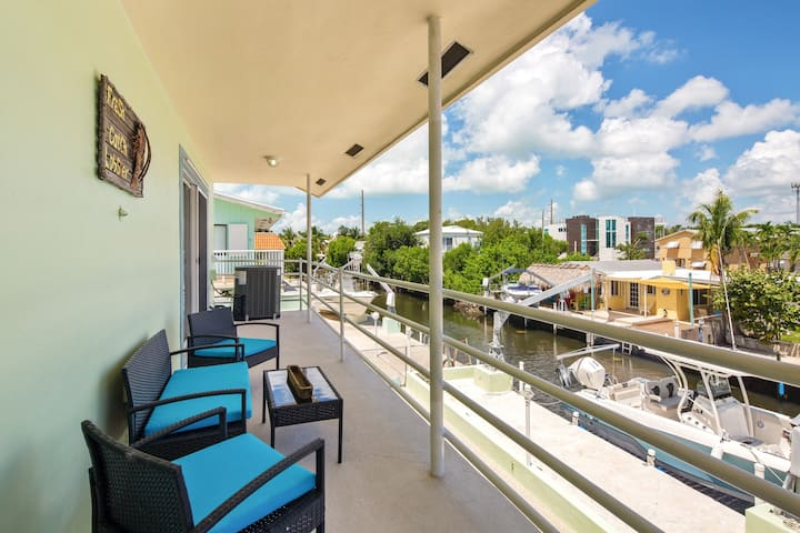 New listing! Spacious canal front home w/room for boat & easy ocean access.