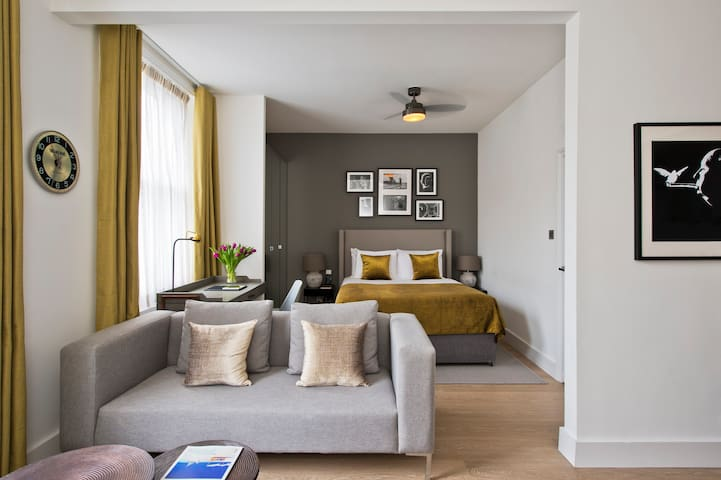 Studio Suite at Nevern Place