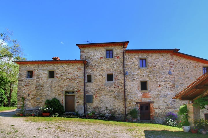 Rustico in Monte Santa Maria Tiberina con Terrazza