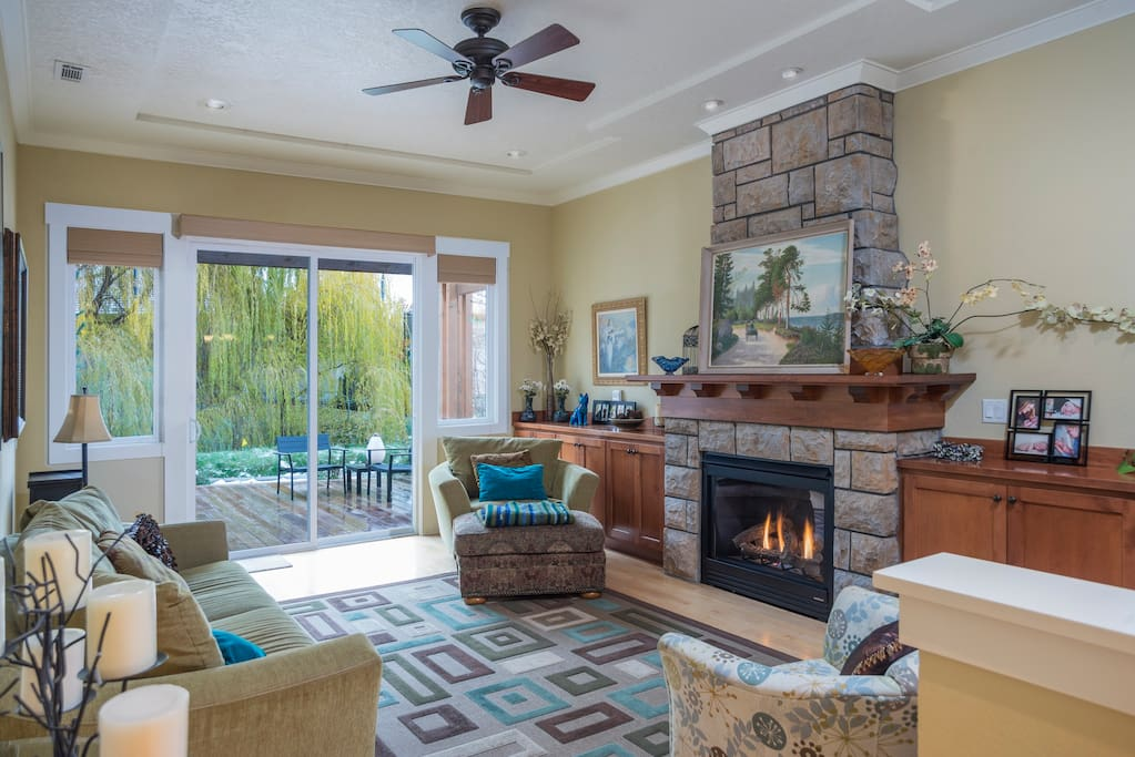This spectacular setting and just steps away to the Boise River and Greenbelt.