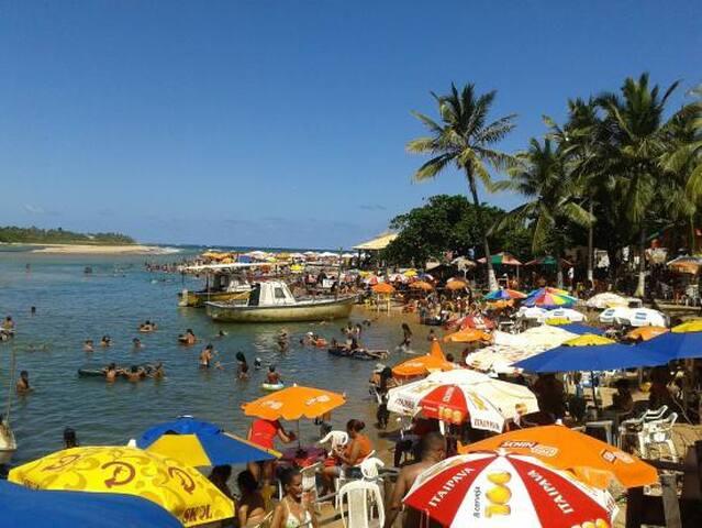 Praias da Linha Verde e Salvador. - Lauro de Freitas