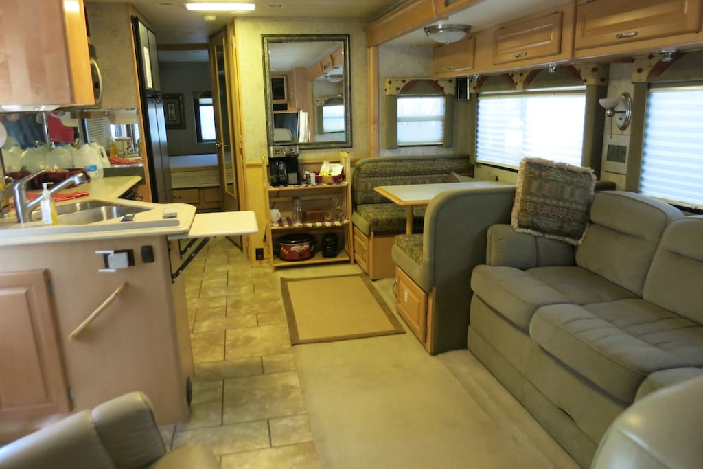 Large 1 Bedroom Stationary Rv On Gated Property Campers