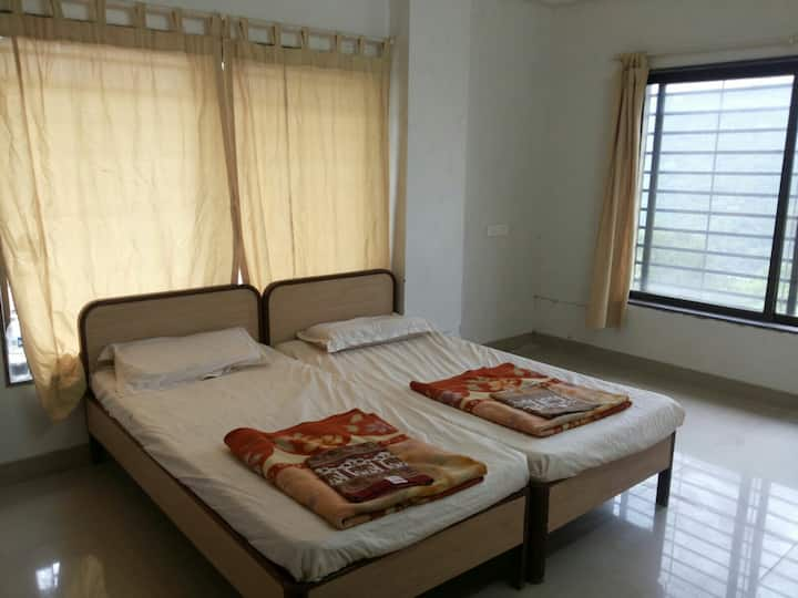 Panchgani 1 Bhk Apartment in a serene place