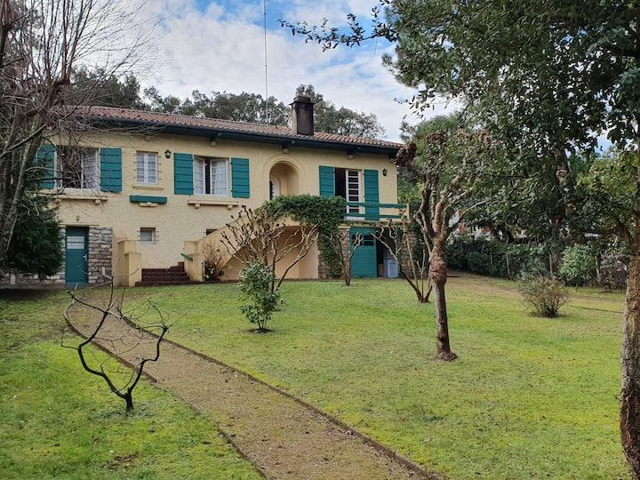Villa EOLE maison de famille bord du lac hossegor