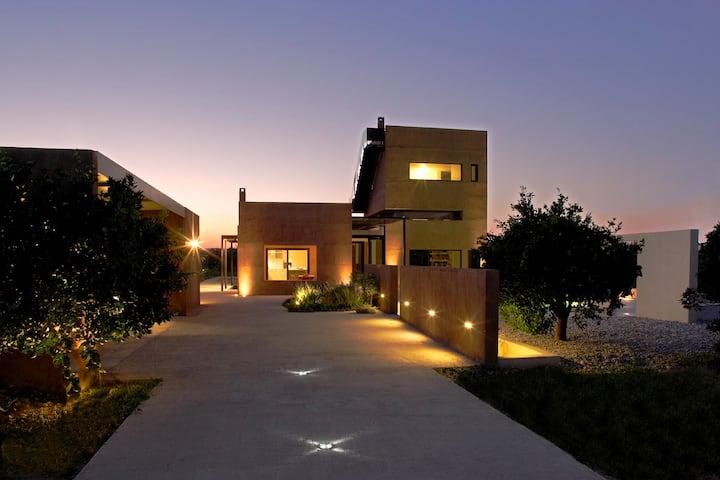 Hideaway luxury villa with pool