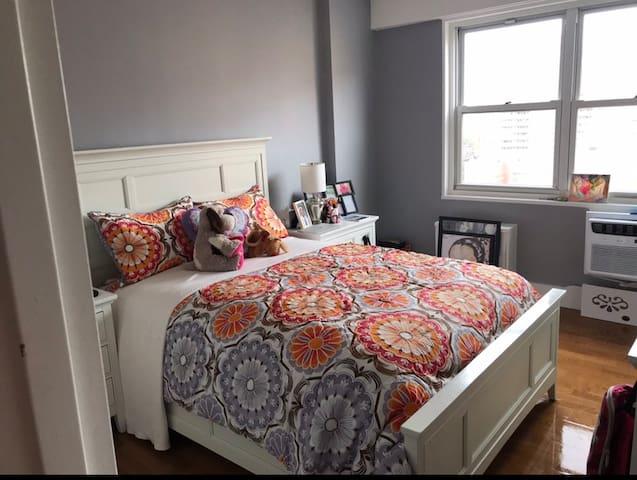 Brooklyn One Bedroom Deep Cleaned Oasis