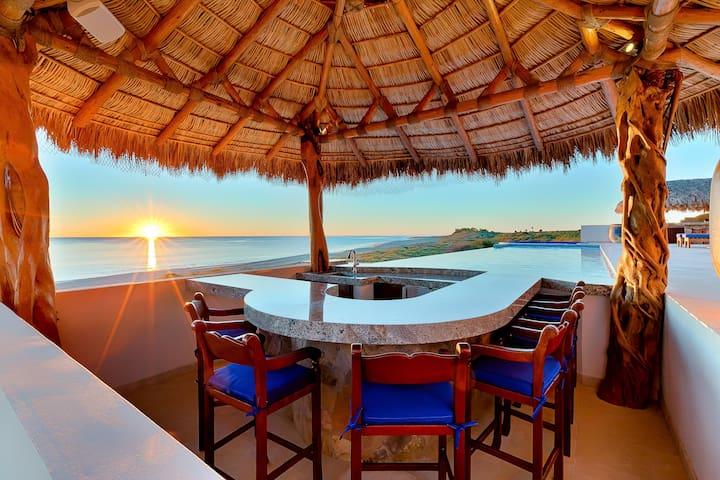 Oceanfront Cabo Pulmo: Villa Bahia de los Frailes