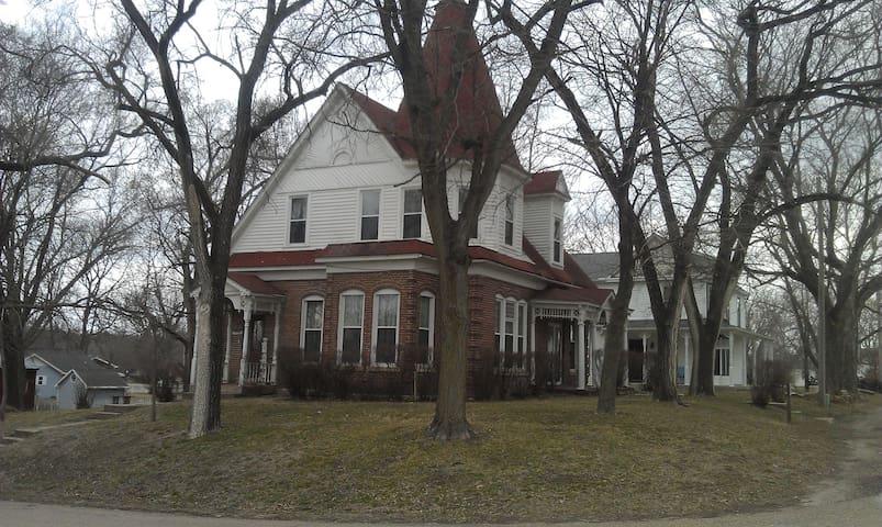 1885 Victorion Home - Farmington - Dům