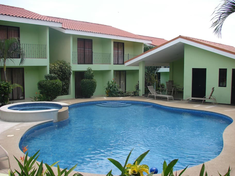 Villa riviera b 09 family feel townhouses for rent in for Villas nacazcol guanacaste
