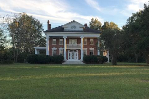 Beautiful Farm House near Tuscaloosa
